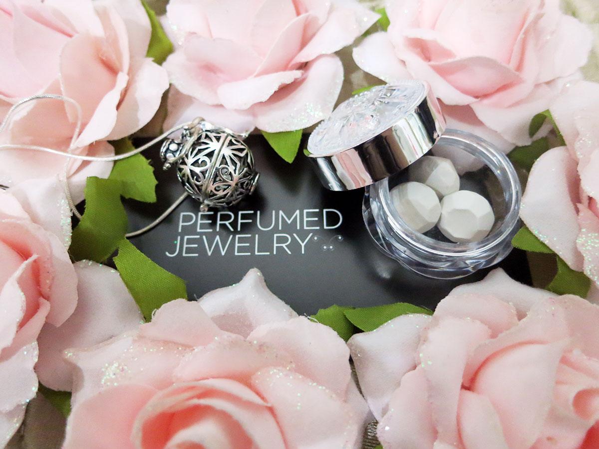 20131219-perfumed-jewelry02