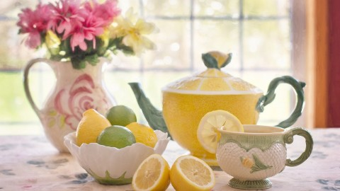 When It Comes To Managing Finances & Lemons I Put My Focus On Drinking Tea